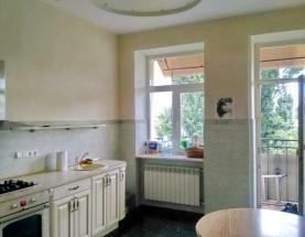 Продажа 3 комнатной квартиры на Пирогова с ремонтом. Центр.