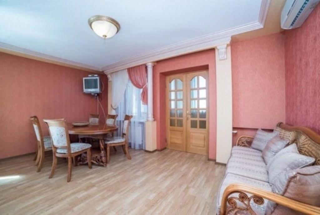 Продажа видовой квартиры с ремонтом на Липках - АН Стольный Град фото 2