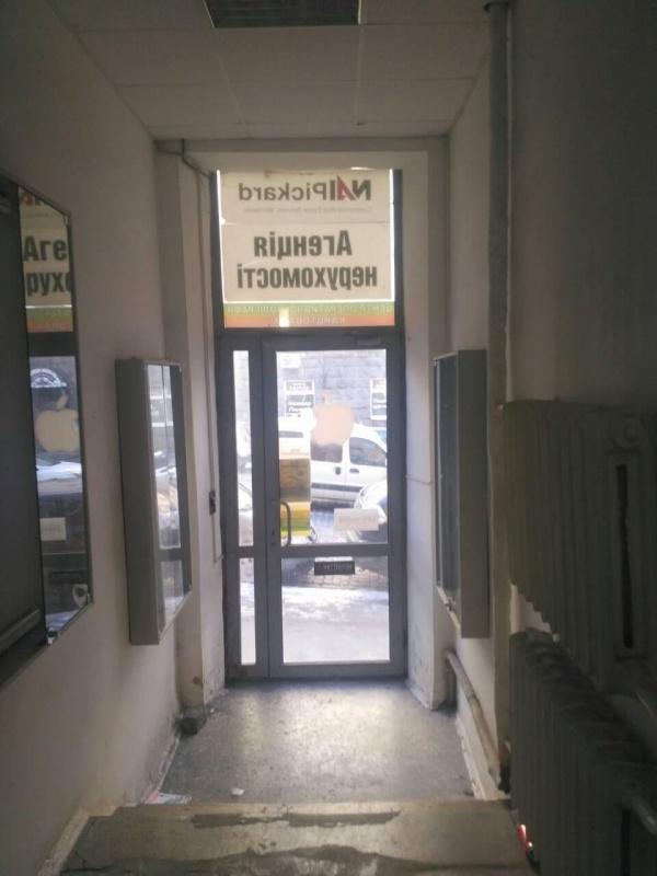 Продажа фасадного помещения ул. Прорезная - АН Стольный Град фото 2