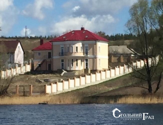 Продажа нового дома на берегу озера под Киевом - АН Стольный Град фото 1