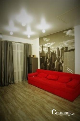 Продаж 2-к видової квартири в центрі метро Арсенальна - АН Стольний Град фото 2