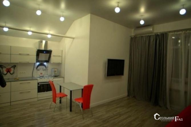 Продаж 2-к видової квартири в центрі метро Арсенальна - АН Стольний Град фото 1