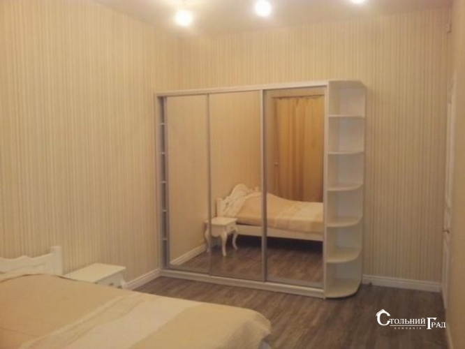 Продаж 2-к видової квартири в центрі метро Арсенальна - АН Стольний Град фото 3