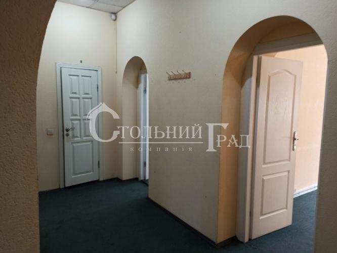 Продаж фасадного приміщення 70 кв.м в центрі - АН Стольний Град фото 1