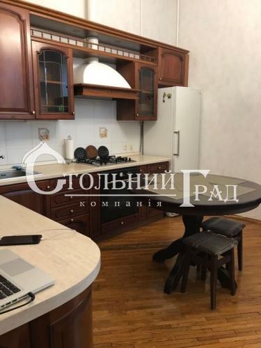 Продаж 3-х кімнатної квартири в центрі - АН Стольний Град фото 2