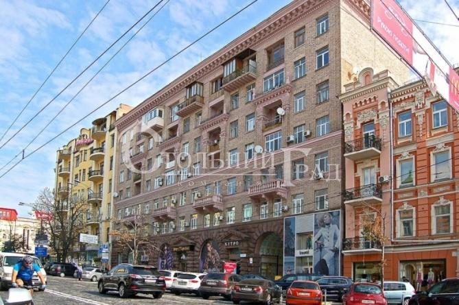 Оренда фасадного приміщення 94 кв.м на площі Льва Толстого - АН Стольний Град фото 1
