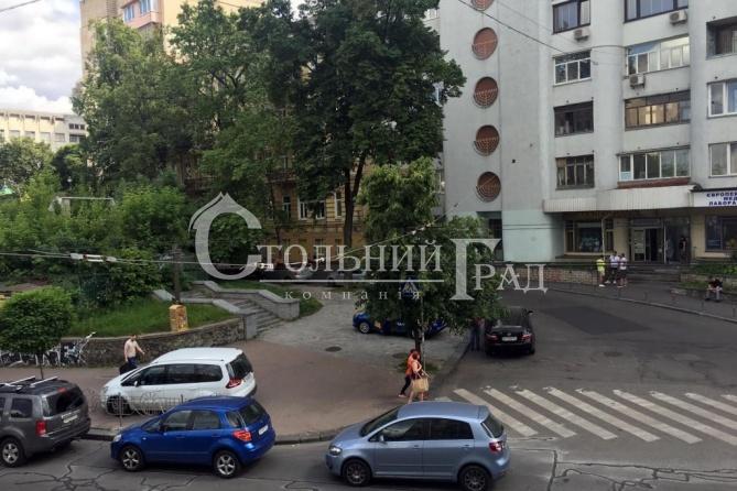 Продаж просторої 3-к квартиру в центрі Пейзажна алея - АН Стольний Град фото 13